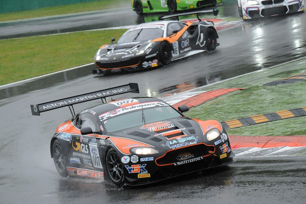 Promising debut for the Solaris Motorsport Aston Martin in the Italian GT Championship in Monza